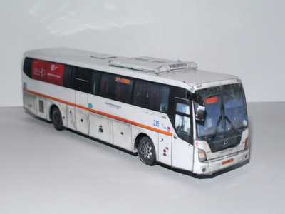 Модель автобуса Hyundai Universe Space Luxury в масштабе 1:87